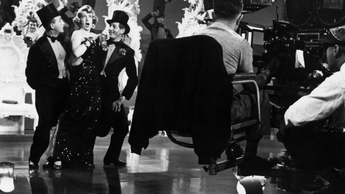 bing crosby rosemary clooney and danny kaye cut a rug in michael curtizs white christmas 1954 - Black And White Christmas Movies